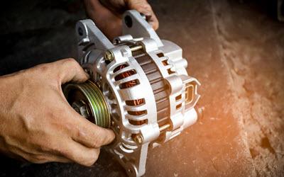BMW Mechanic Changing Alternator